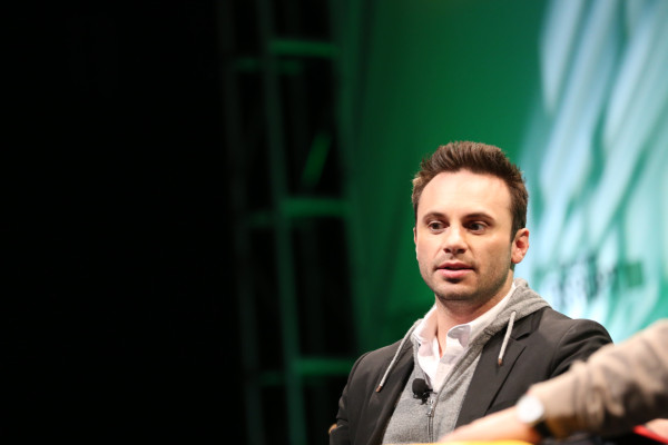 Oculus co-founder departs Facebook after Rift 2 cancelled