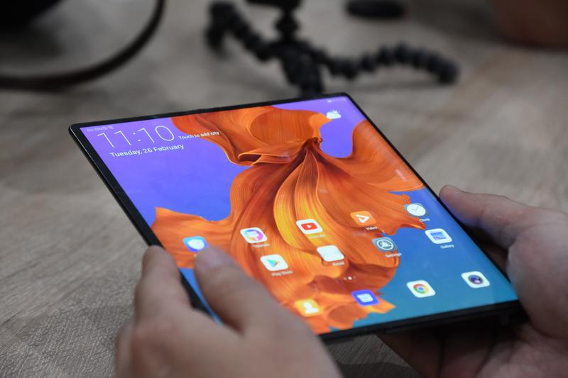 PC World offers an Aussie hands-on with the Huawei Mate X